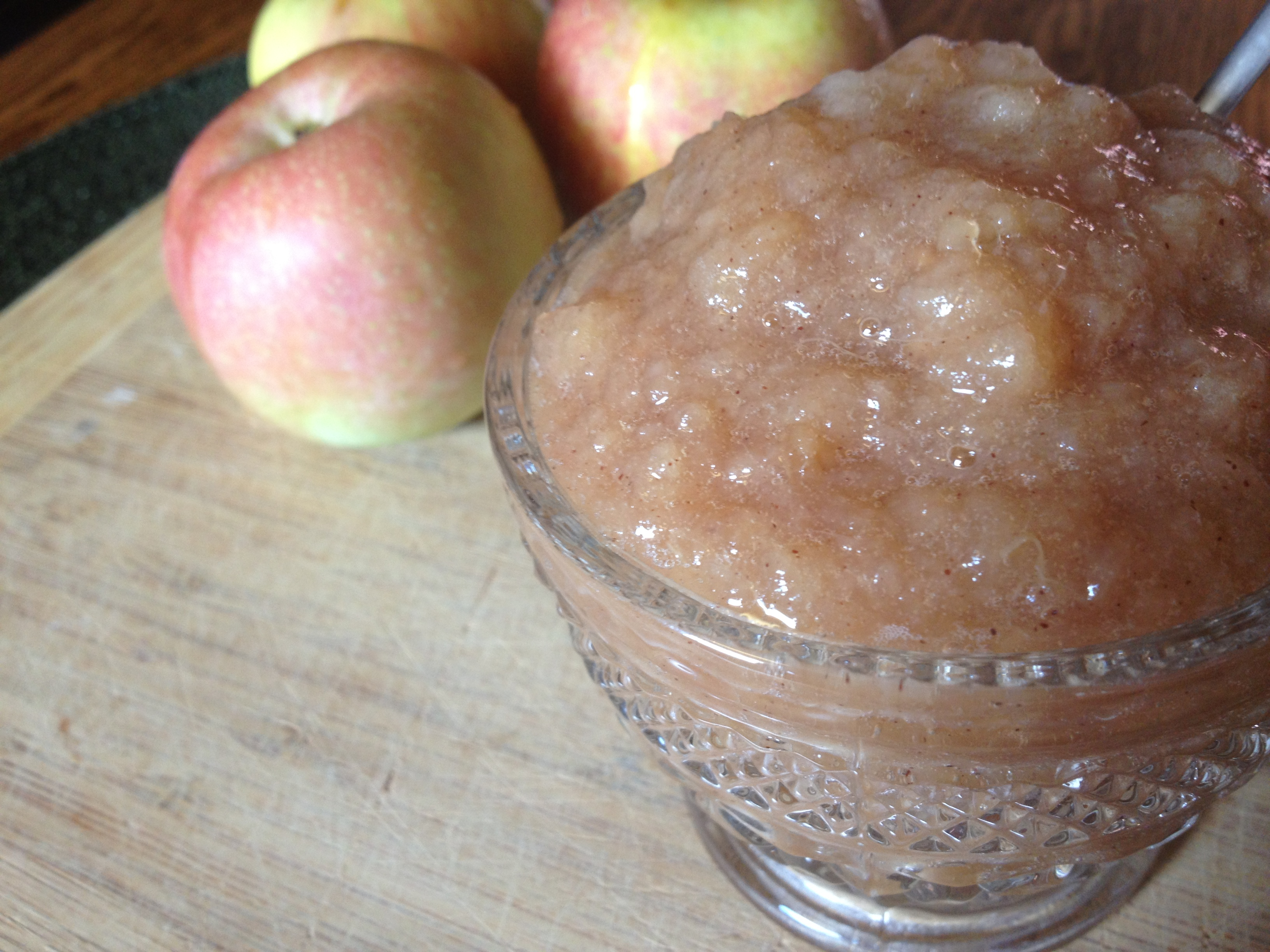 Easy Homemade Applesauce