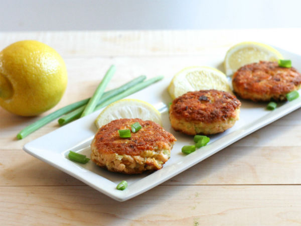 Paleo Salmon Cakes! Soo Good!